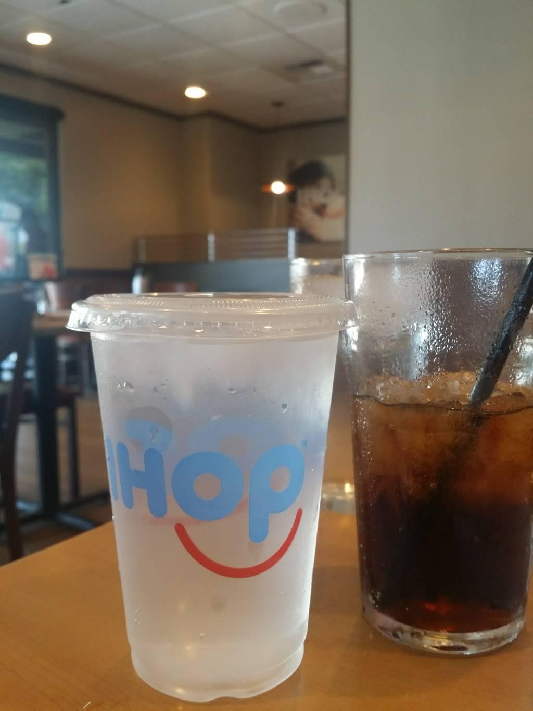 IHOP - restaurant  | Photo 7 of 10 | Address: 2050 N Bellflower Blvd, Long Beach, CA 90815, USA | Phone: (562) 799-4467
