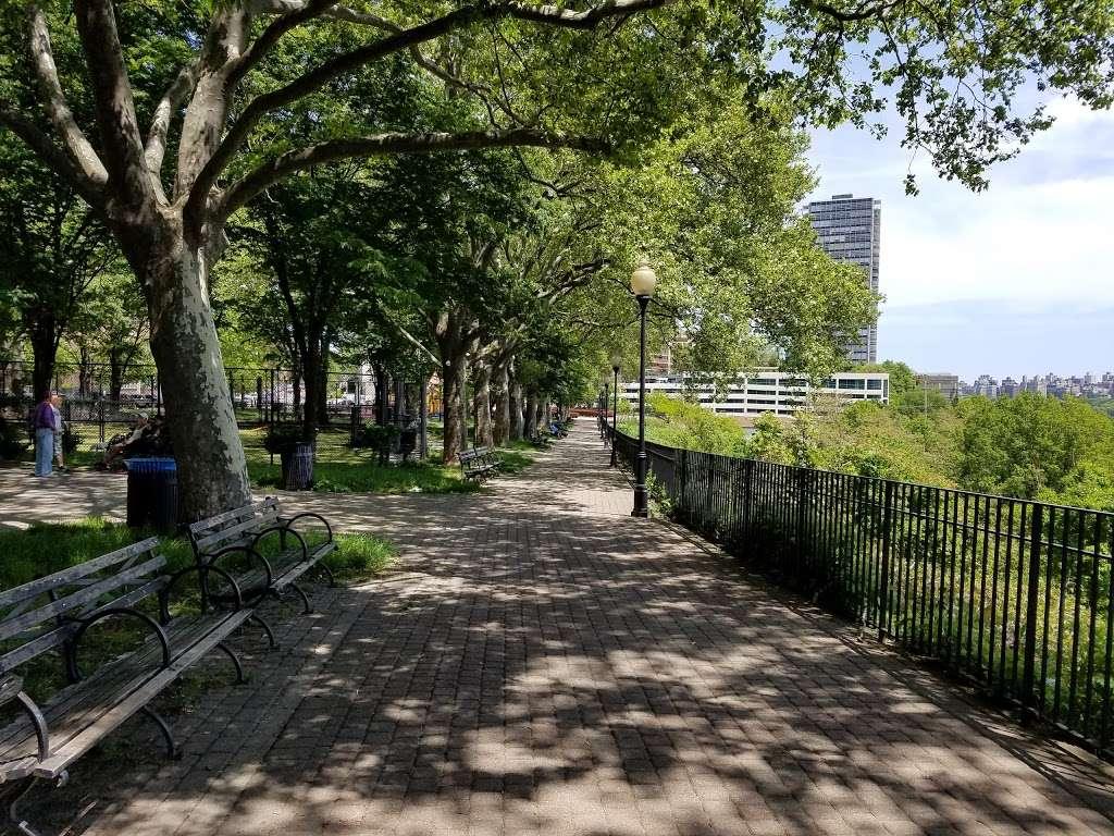 Old Glory Park - park  | Photo 6 of 10 | Address: West New York, NJ 07093, USA