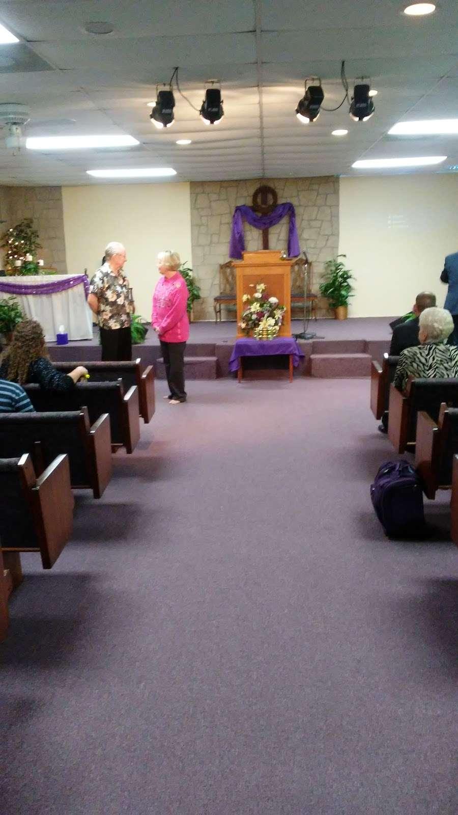 New Hope Fellowship - church  | Photo 1 of 10 | Address: 307 Deen Blvd, Auburndale, FL 33823, USA | Phone: (863) 967-4686