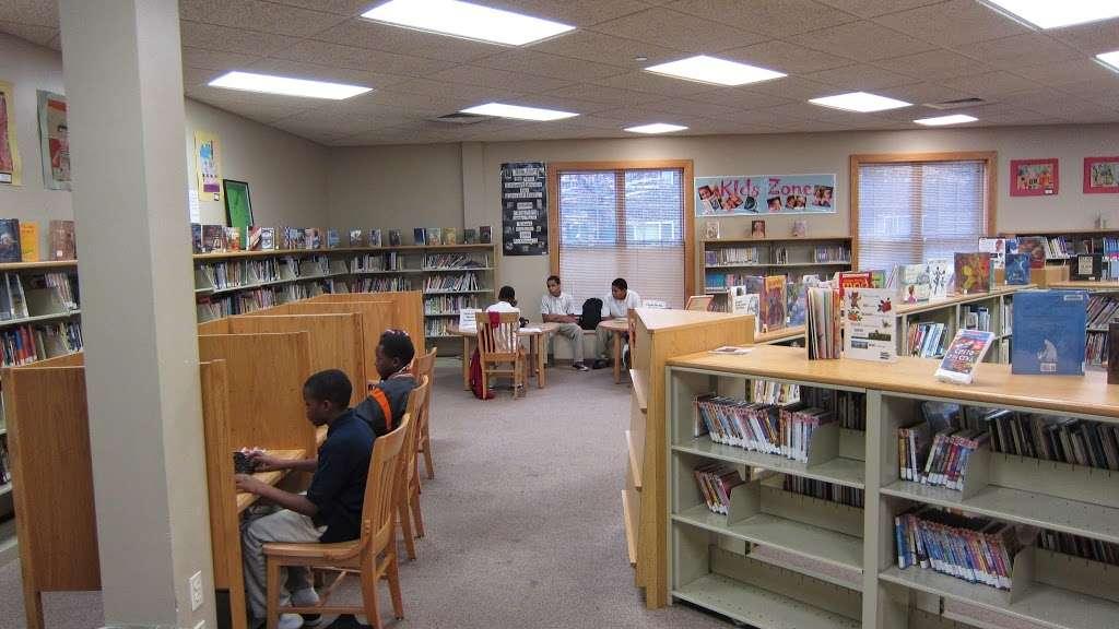 Riletta L. Cream Ferry Avenue Branch, Camden County Library Syst - library  | Photo 6 of 10 | Address: 852 Ferry Ave, Camden, NJ 08104, USA | Phone: (856) 342-9789