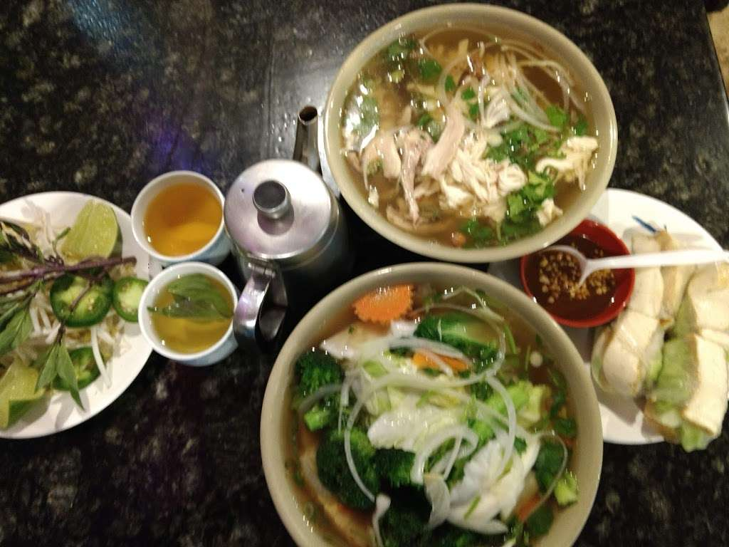 New Pho 999 - restaurant  | Photo 6 of 10 | Address: 12905 Sherman Way, North Hollywood, CA 91605, USA | Phone: (818) 982-9370