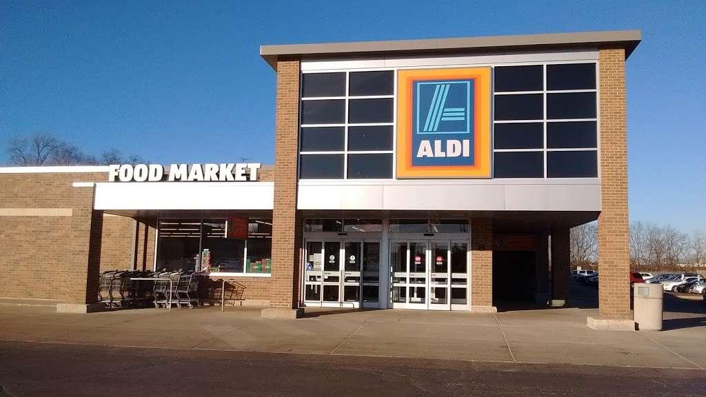 ALDI - supermarket    Photo 3 of 9   Address: 2540 Sycamore Rd, DeKalb, IL 60115, USA   Phone: (855) 955-2534