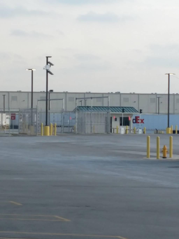 FedEx Ground - moving company    Photo 5 of 8   Address: 11000 Toebben Dr, Independence, KY 41051, USA   Phone: (800) 463-3339