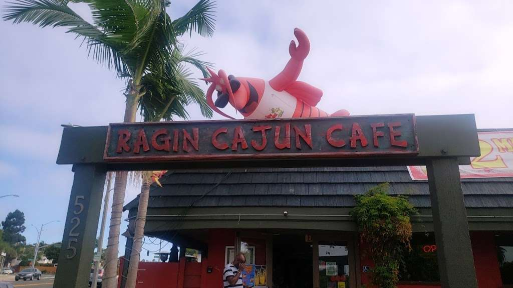 Ragin Cajun Cafe - restaurant  | Photo 4 of 10 | Address: 525 S Pacific Coast Hwy, Redondo Beach, CA 90277, USA | Phone: (310) 540-7403