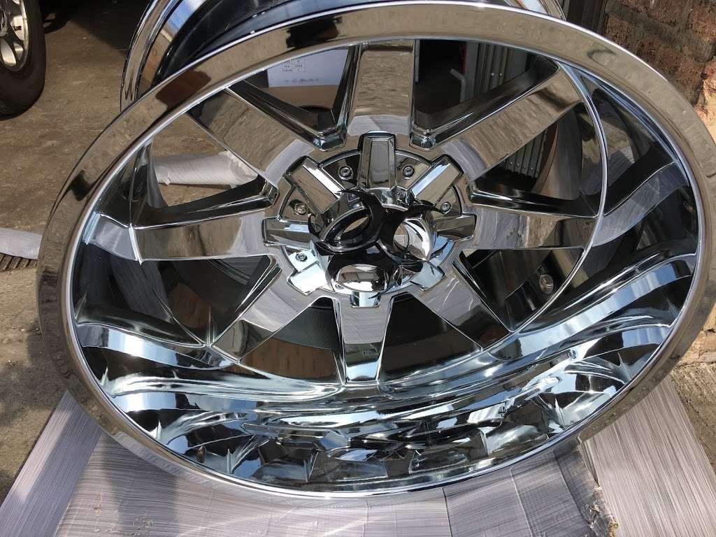 Rim Shop The Chrome Depot Wheels Tires Financing - car repair  | Photo 7 of 10 | Address: 1626 S Cicero Ave, Cicero, IL 60804, USA | Phone: (708) 776-3119