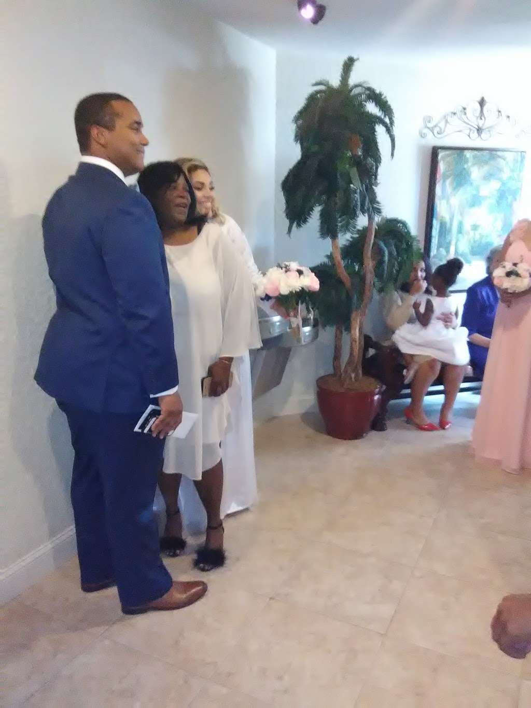 Kingdom Hall of Jehovahs Witnesses - church    Photo 4 of 8   Address: 4133 Redditt Rd, Orlando, FL 32822, USA   Phone: (407) 275-7060