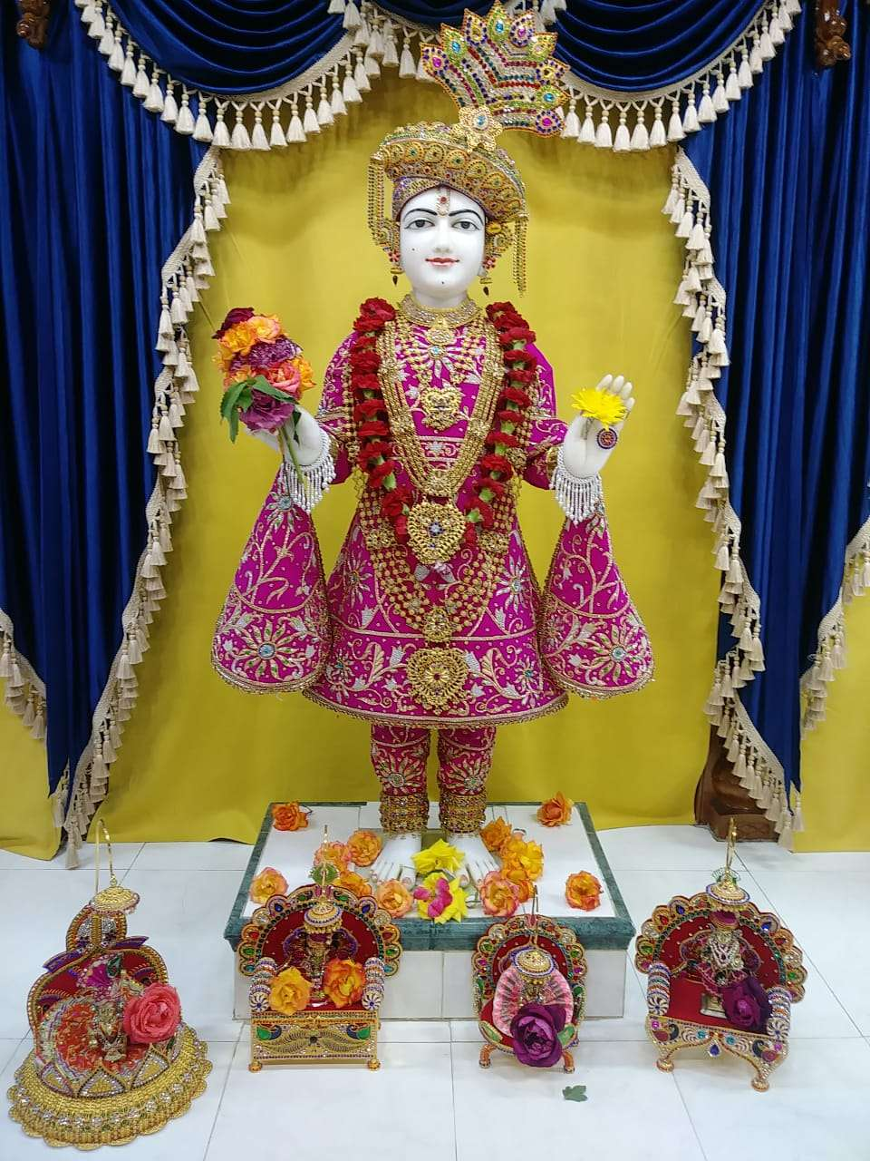 Shree Swami Narayan Temple - hindu temple  | Photo 6 of 8 | Address: 12147 Lakewood Blvd, Downey, CA 90242, USA | Phone: (562) 622-0554