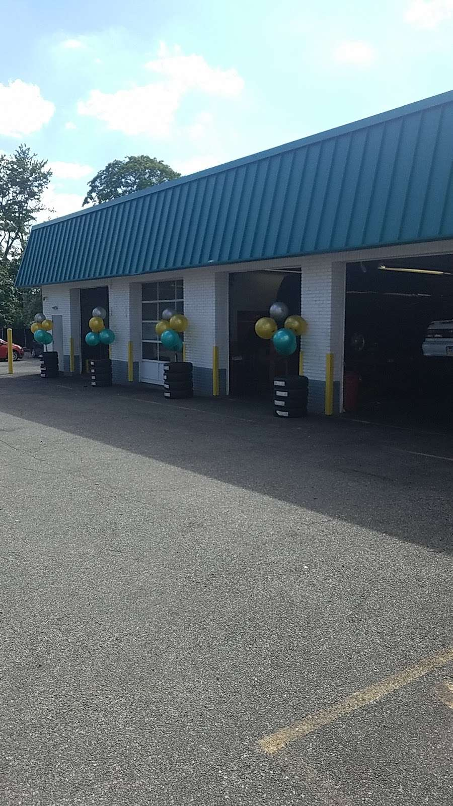 Mavis Discount Tire - car repair  | Photo 7 of 8 | Address: 67 US-46 E, Ridgefield Park, NJ 07660, USA | Phone: (201) 510-3785