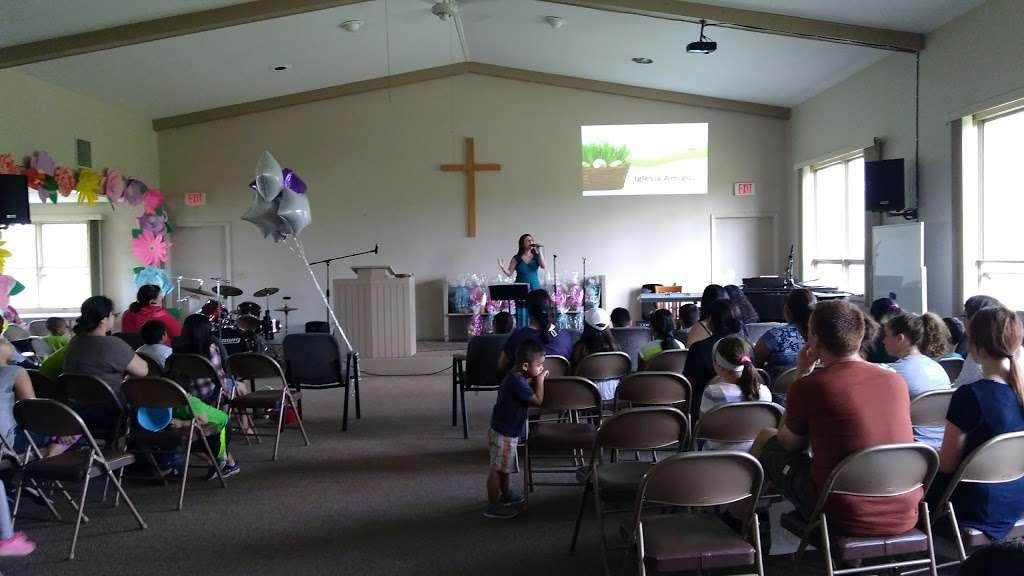 Iglesia Amigos - church  | Photo 2 of 10 | Address: 831 N Edmondson Ave, Indianapolis, IN 46219, USA | Phone: (317) 359-4849