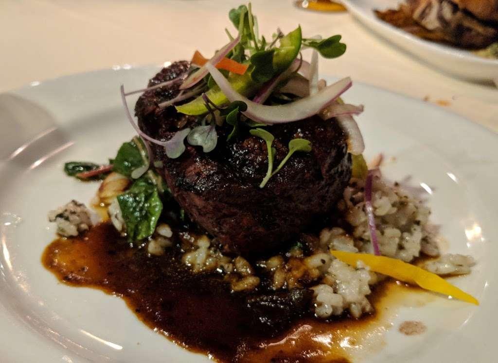 Liberty House Restaurant - restaurant  | Photo 9 of 10 | Address: 76 Audrey Zapp Dr, Jersey City, NJ 07305, USA | Phone: (201) 395-0300