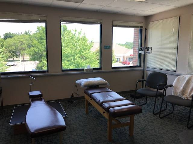 Robb Chiropractic - health  | Photo 3 of 3 | Address: 100 River Pl UNIT 210, Monona, WI 53716, USA | Phone: (608) 222-7731