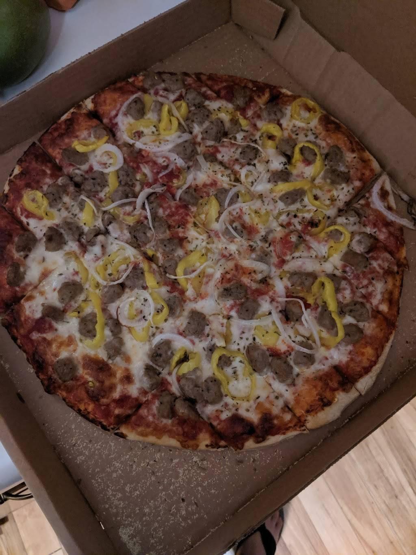 Padovas Pizza - restaurant  | Photo 6 of 9 | Address: 9000 Hambright Rd suite b, Huntersville, NC 28078, USA | Phone: (704) 727-3655