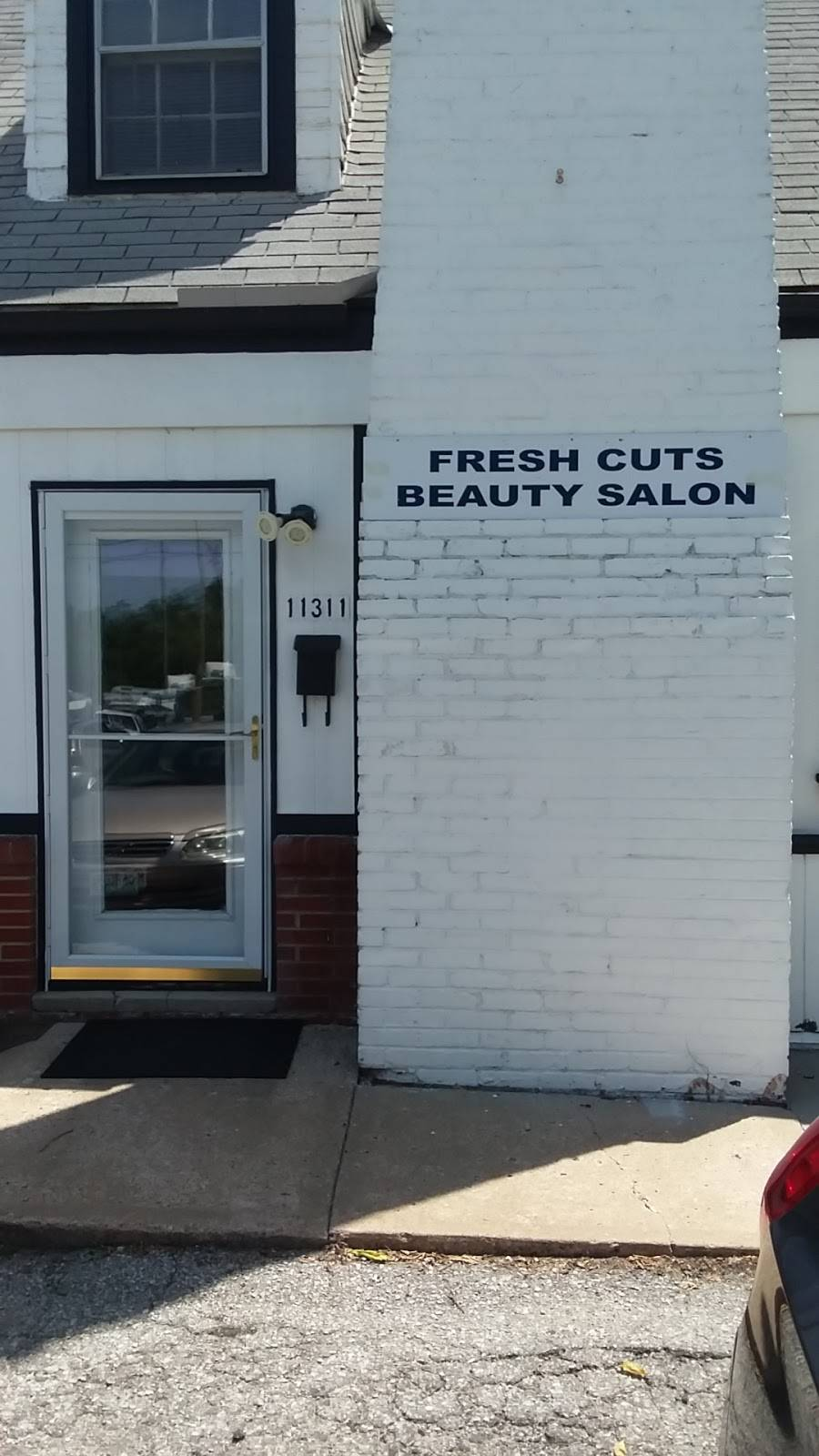 Fresh Cuts Beauty Salon - hair care  | Photo 2 of 2 | Address: 11311 Hickman Mills Dr, Kansas City, MO 64134, USA | Phone: (816) 589-4987