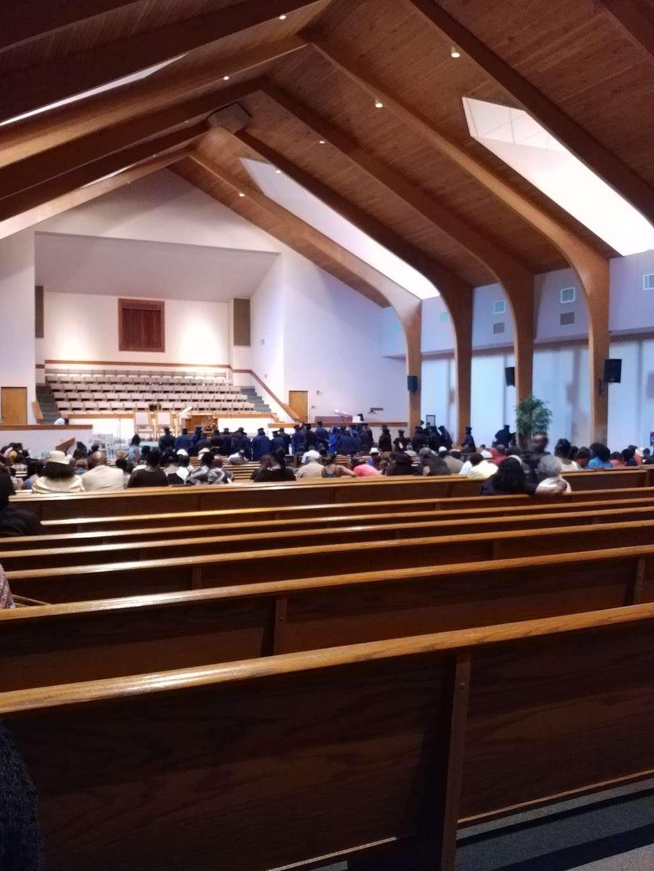 Pentecostal Church of God - church  | Photo 1 of 8 | Address: 2540 Lucerne Park Rd, Winter Haven, FL 33881, USA | Phone: (863) 294-8934