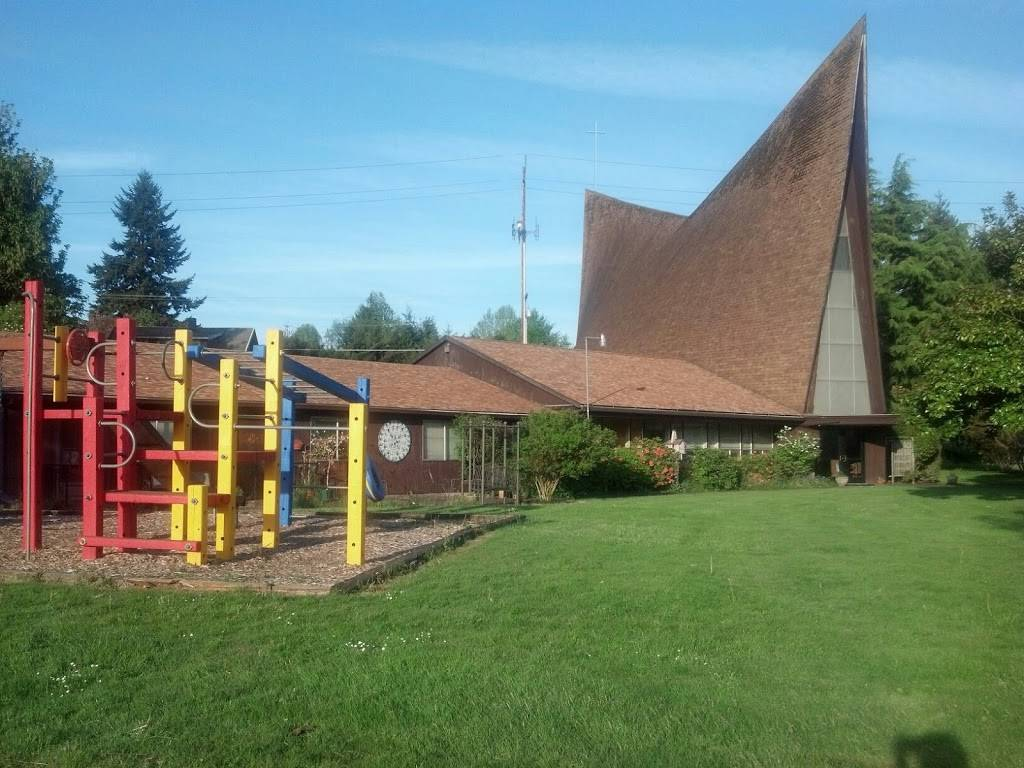 Clackamas United Church of Christ - church  | Photo 3 of 9 | Address: 15303 SE Webster Rd, Milwaukie, OR 97267, USA | Phone: (503) 654-0741