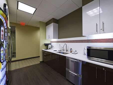Regus - New Jersey, East Rutherford - Meadowlands - real estate agency  | Photo 5 of 10 | Address: 1 Meadowlands Plaza Suite 200, East Rutherford, NJ 07073, USA | Phone: (201) 340-2600
