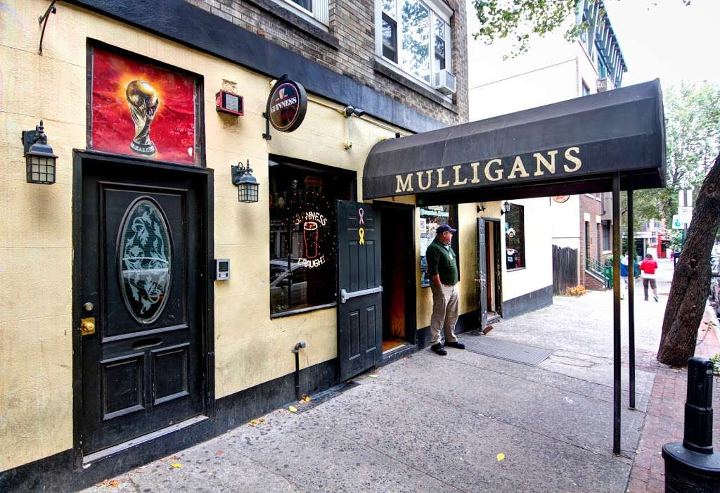 Mulligans Pub - restaurant  | Photo 3 of 10 | Address: 159 1st St, Hoboken, NJ 07030, USA | Phone: (201) 876-4101