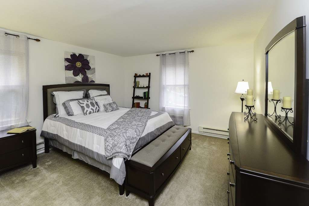 Eatoncrest Apartment Homes - Real estate agency | 180A