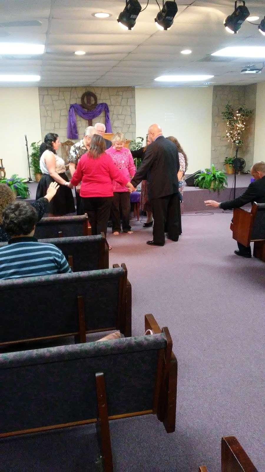 New Hope Fellowship - church  | Photo 5 of 10 | Address: 307 Deen Blvd, Auburndale, FL 33823, USA | Phone: (863) 967-4686