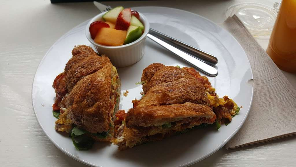 Made Fresh Daily - cafe  | Photo 5 of 10 | Address: 226 Front St, New York, NY 10038, USA | Phone: (212) 285-2253