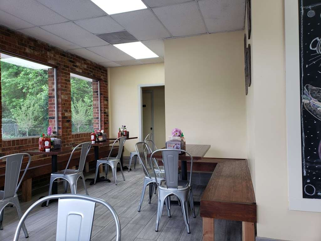 Crispy Banh Mi - restaurant  | Photo 1 of 10 | Address: 2934 Shamrock Dr, Charlotte, NC 28205, USA | Phone: (980) 237-7704