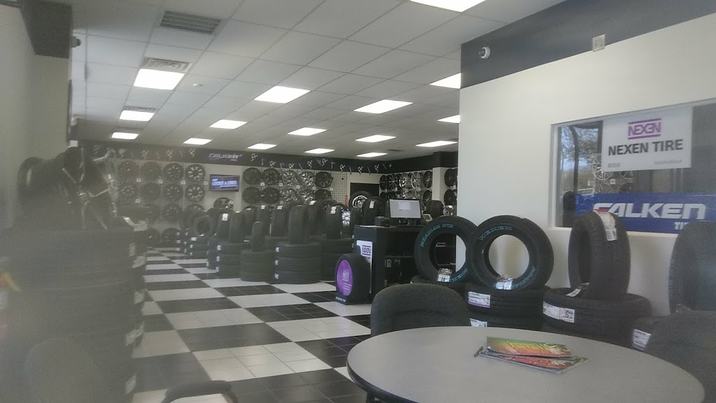 RNR Tire Express - car repair  | Photo 7 of 10 | Address: 7226 10742, US-441, Leesburg, FL 34788, USA | Phone: (352) 508-6434