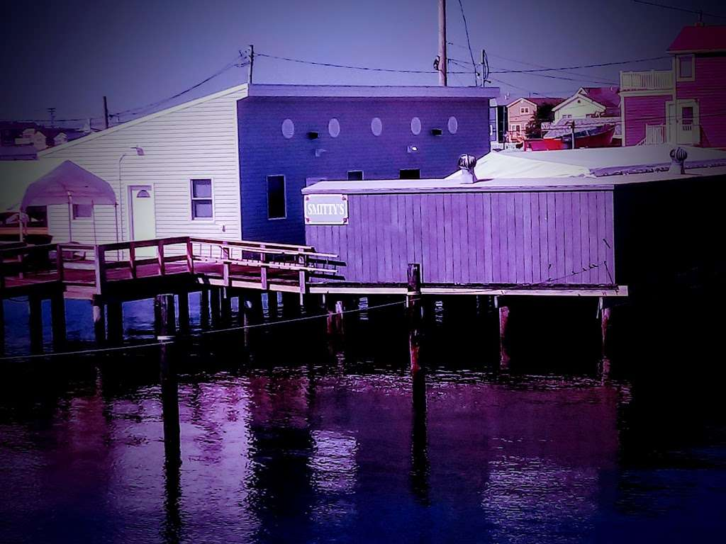 Scotts Corner - cafe  | Photo 1 of 2 | Address: 621 W Rd, Broad Channel, NY 11693, USA