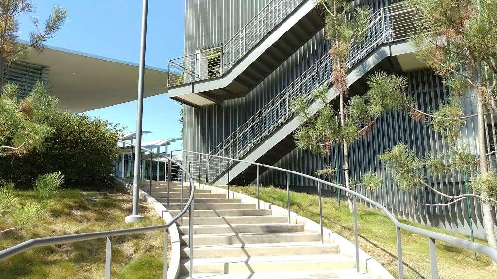 Newport Beach Public Library - library    Photo 5 of 10   Address: 1000 Avocado Ave, Newport Beach, CA 92660, USA   Phone: (949) 717-3800
