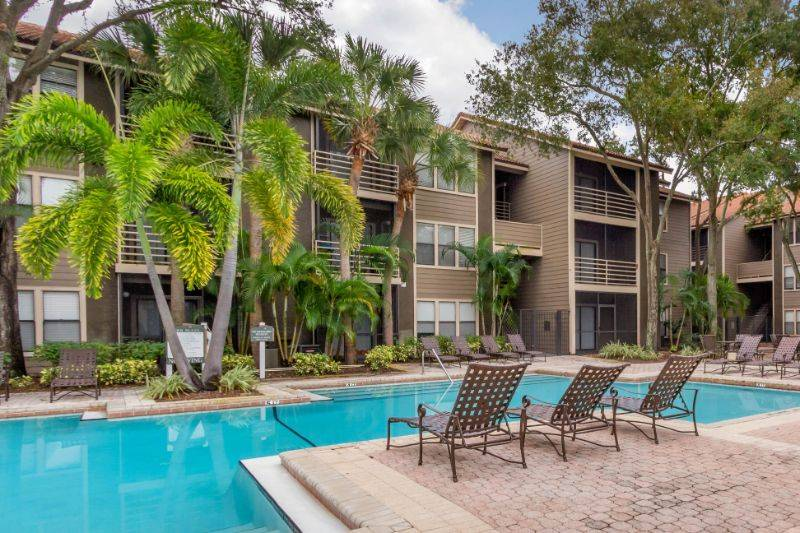 South Pointe Apartments - real estate agency  | Photo 5 of 10 | Address: 5000 S Himes Ave, Tampa, FL 33611, USA | Phone: (813) 993-0488