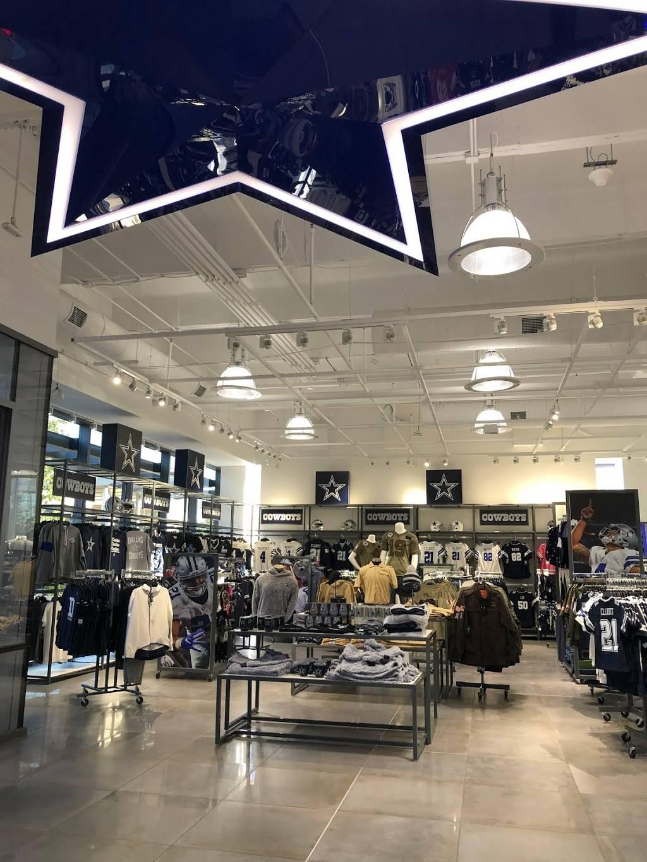 Fans United - Frisco - clothing store  | Photo 7 of 9 | Address: 5 Cowboys Way, Frisco, TX 75034, USA | Phone: (972) 497-4050