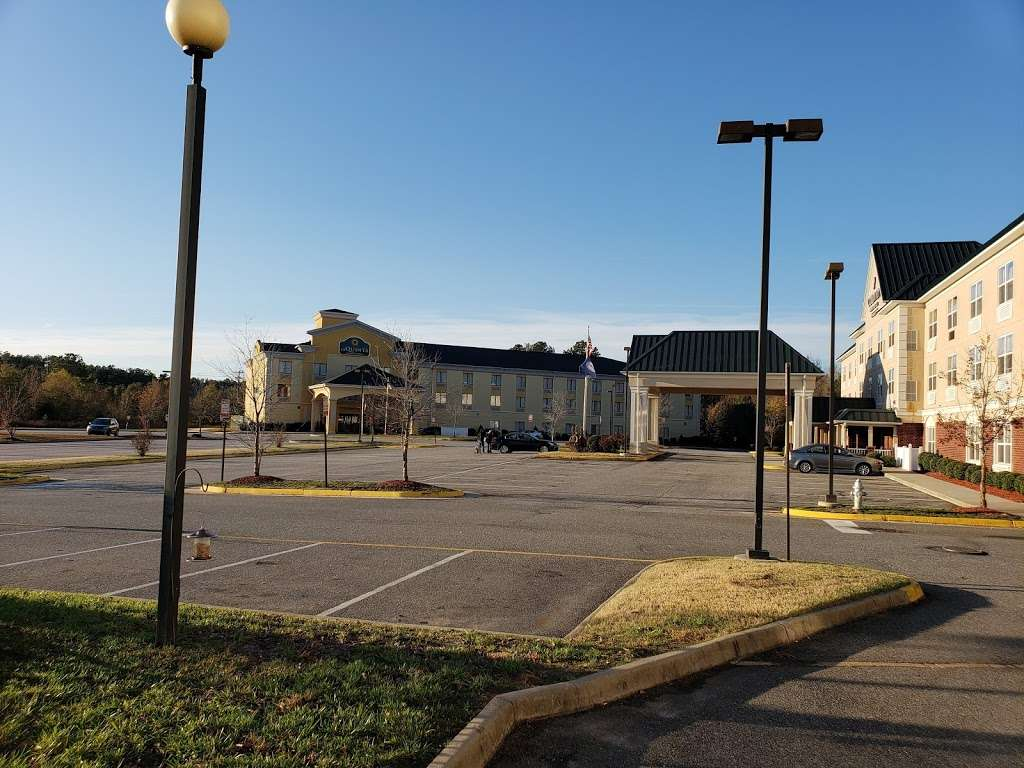 Country Inn & Suites by Radisson, Doswell (Kings Dominion), VA - lodging  | Photo 10 of 10 | Address: 16250 International St, Doswell, VA 23047, USA | Phone: (804) 612-8450