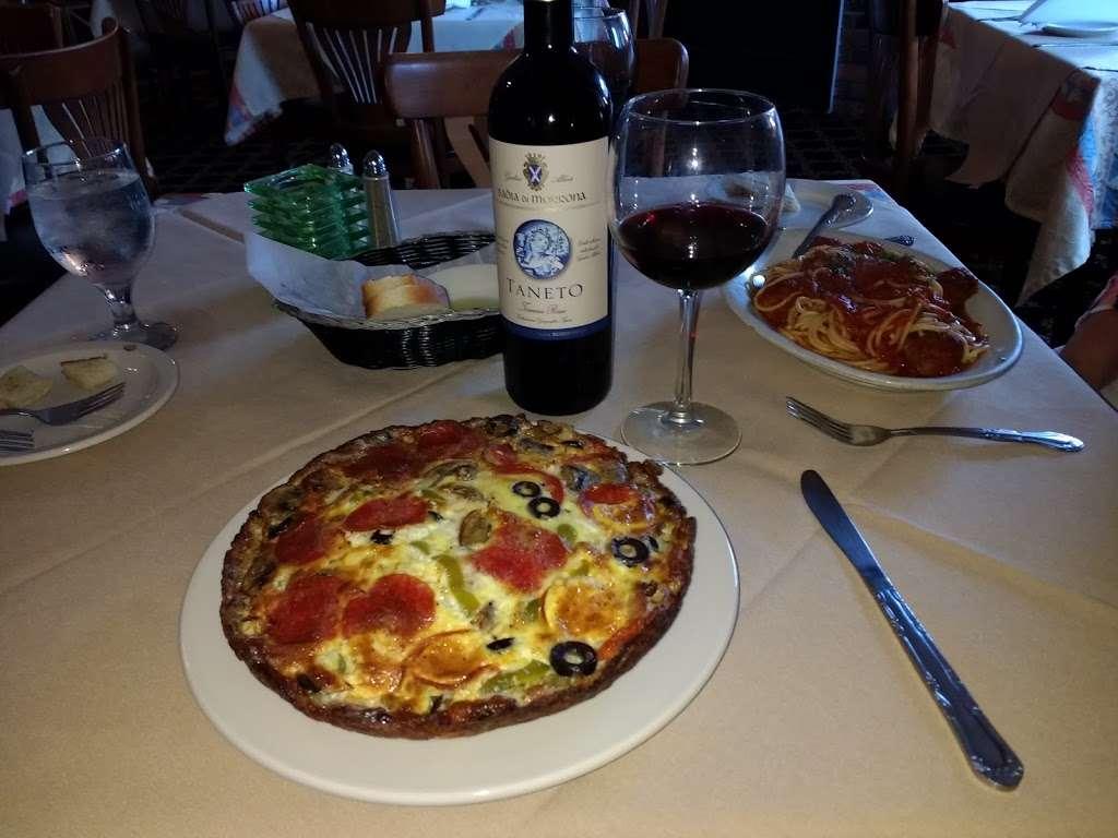 Pinocchios Italian Restaurant and Wine Store - restaurant  | Photo 8 of 10 | Address: 518 Salisbury Ave, Spencer, NC 28159, USA | Phone: (704) 636-8891
