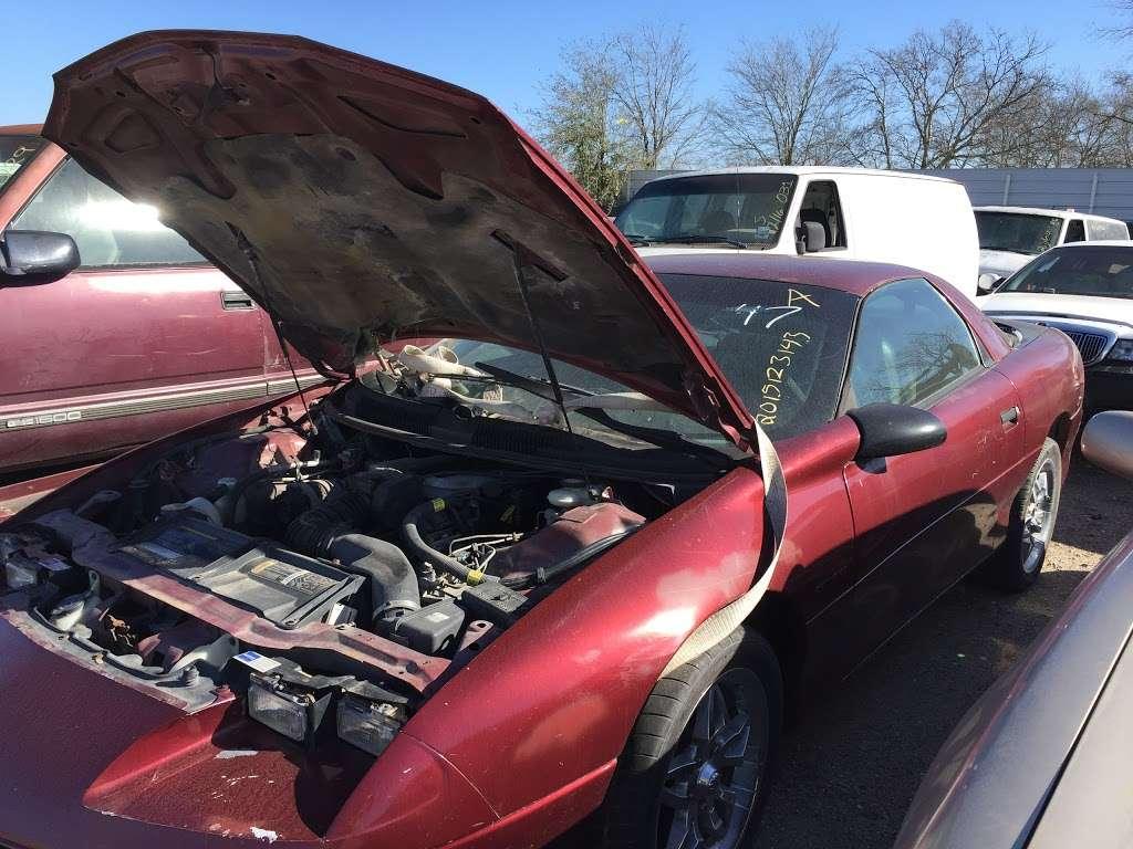 SOUTHSIDE U-PULL-IT - car repair  | Photo 7 of 10 | Address: 3515 Almeda Genoa Rd, Houston, TX 77047, USA | Phone: (832) 968-7473