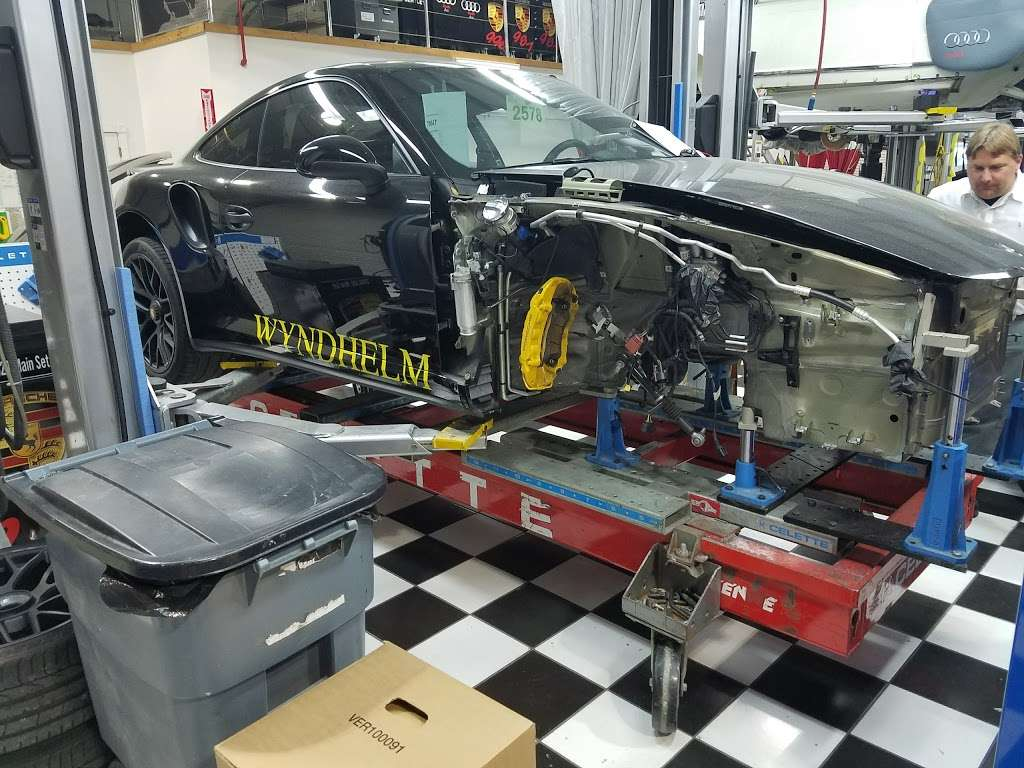 Fantastic Finishes - car repair    Photo 2 of 5   Address: 900 Stinson Way # 1, West Palm Beach, FL 33411, USA   Phone: (561) 790-4090