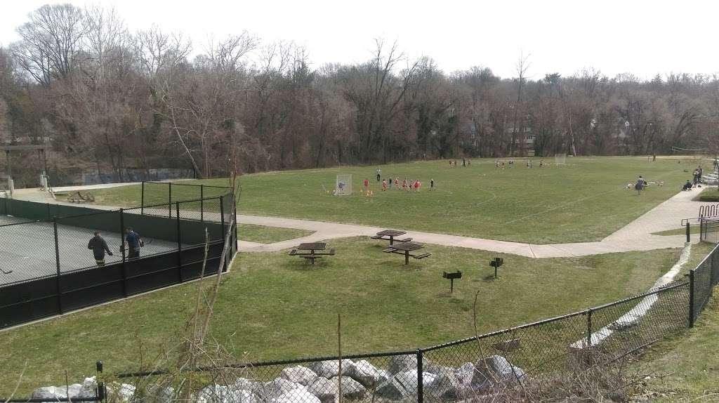 Overlook Park - park  | Photo 2 of 10 | Address: 1300 Overbrook Rd, Baltimore, MD 21239, USA | Phone: (410) 887-5883