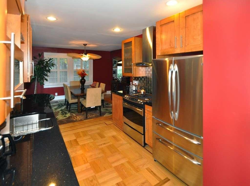 Manor House Cabinetry , Inc. - furniture store  | Photo 5 of 10 | Address: 548 N Midland Ave, Saddle Brook, NJ 07663, USA | Phone: (201) 509-8888