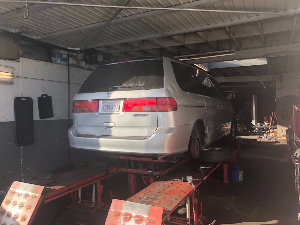 D' Paz Automotive Service - car repair  | Photo 4 of 7 | Address: 901 CA-1, Long Beach, CA 90813, USA | Phone: (562) 591-1377
