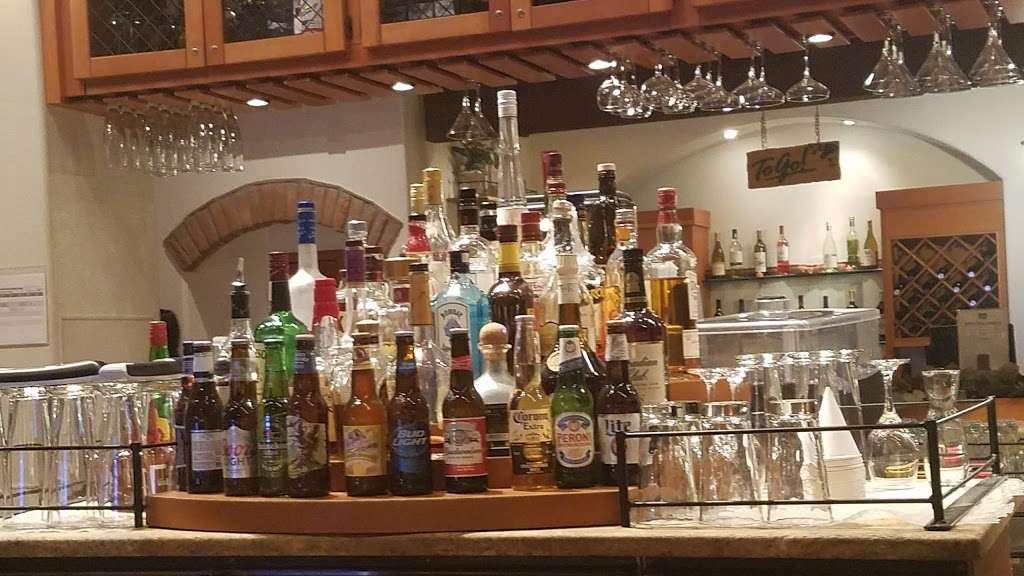 Olive Garden Italian Restaurant - meal takeaway  | Photo 5 of 10 | Address: 505 Gateway Dr, Brooklyn, NY 11239, USA | Phone: (718) 348-1071