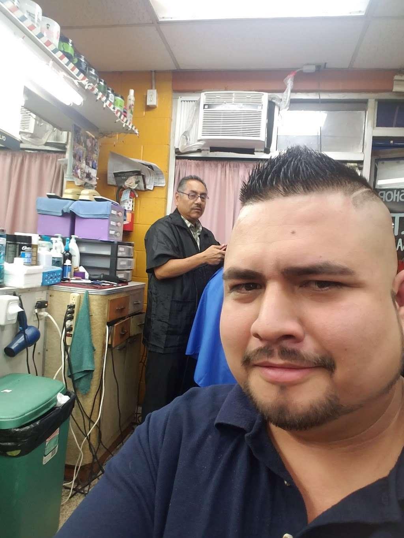 Julio Barber Shop El Senor - hair care    Photo 3 of 4   Address: 4402 S Main St, Los Angeles, CA 90037, USA   Phone: (323) 235-0264