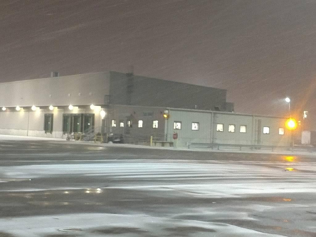 FedEx Ground - moving company  | Photo 7 of 8 | Address: 100 J St, Perrysburg, OH 43551, USA | Phone: (800) 463-3339