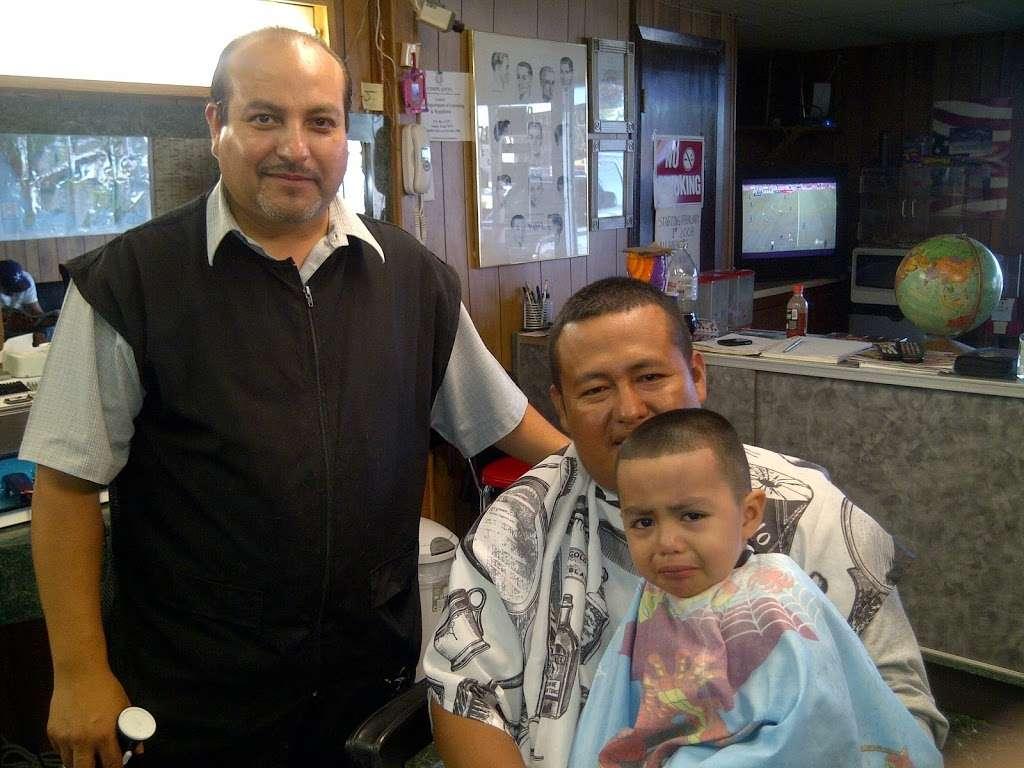 Joses Barber Shop - hair care  | Photo 6 of 10 | Address: 1317, 2006A Southmore Ave, Pasadena, TX 77502, USA | Phone: (832) 322-0981