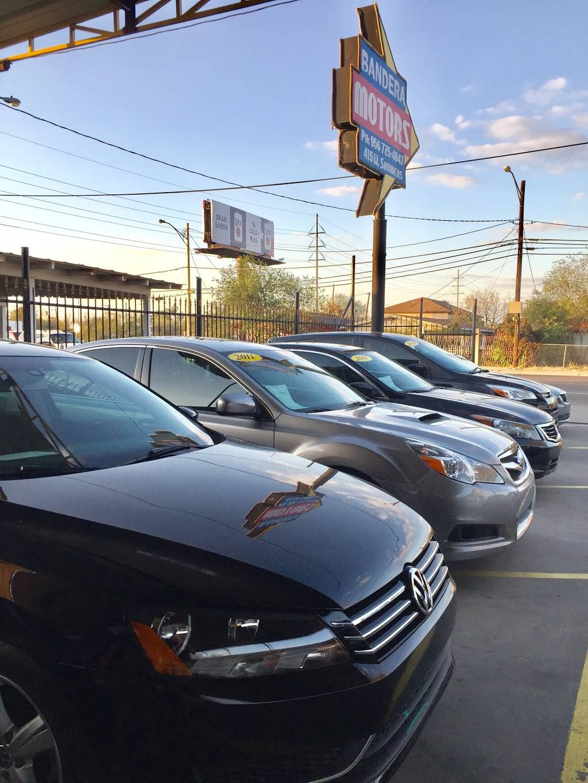 Bandera Motors - car dealer  | Photo 4 of 7 | Address: 415 W Saunders St, Laredo, TX 78041, USA | Phone: (956) 725-4847