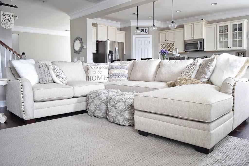 Ashley HomeStore - furniture store  | Photo 2 of 10 | Address: 1530 W Interstate 20, Arlington, TX 76017, USA | Phone: (817) 557-8585
