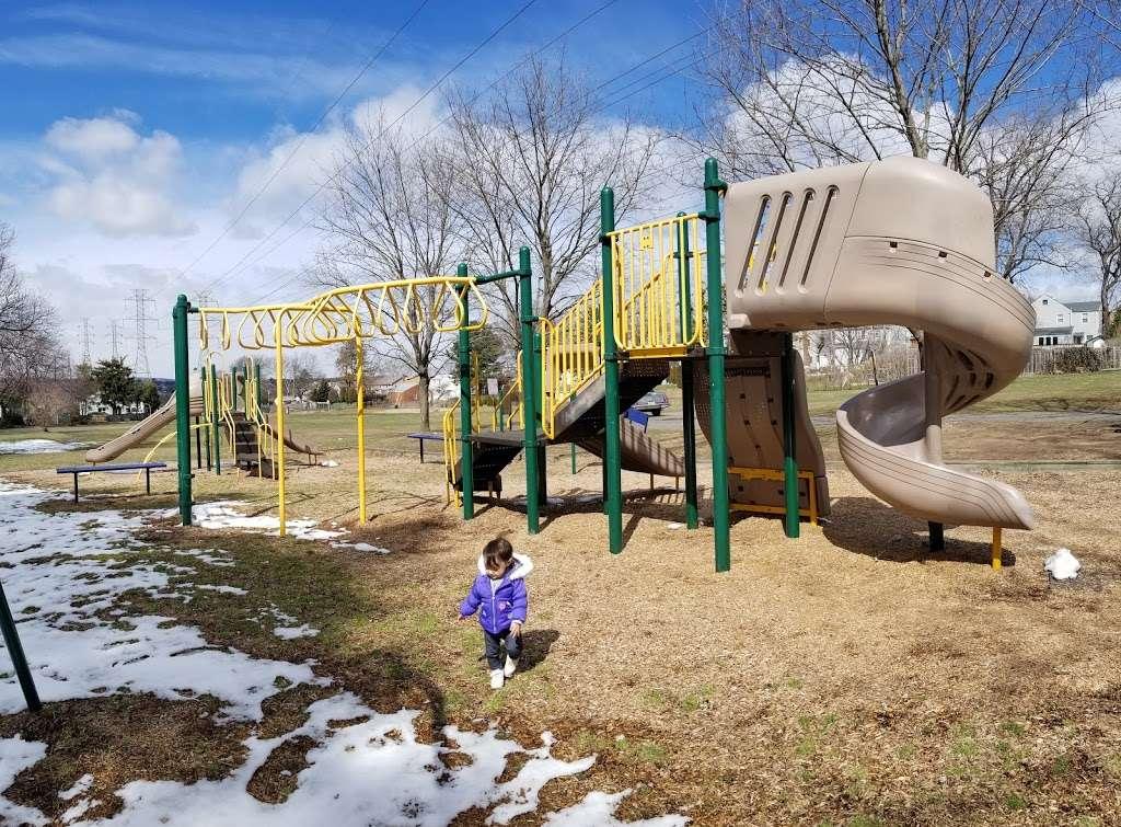 Fisher Field - park  | Photo 8 of 10 | Address: 97 6th St, North Arlington, NJ 07031, USA