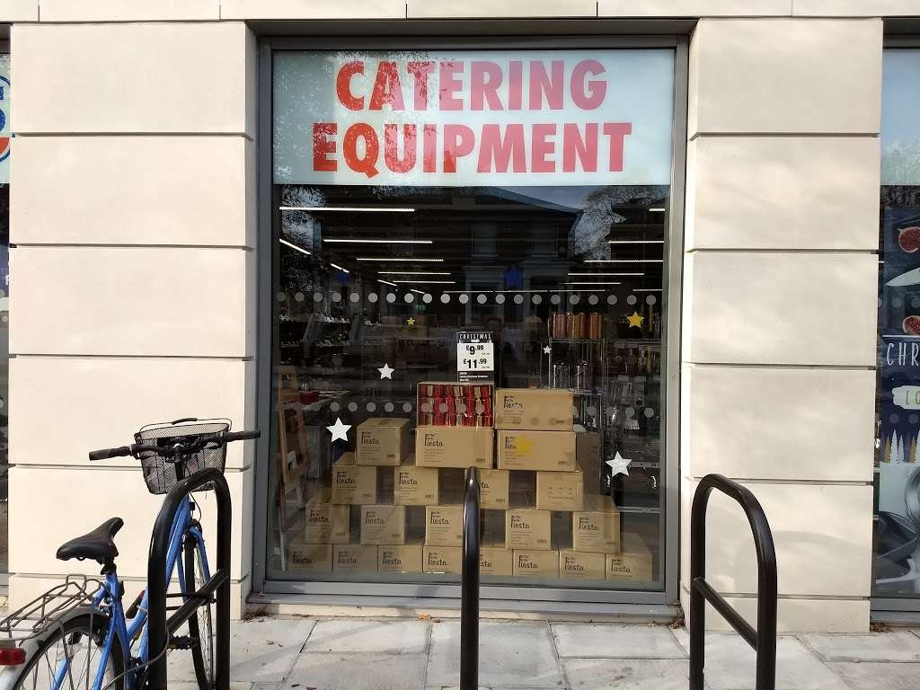 Nisbets Catering Equipment Shepherds Bush Store - furniture store  | Photo 5 of 10 | Address: 180 Goldhawk Rd, Shepherds Bush, London W12 8HJ, UK | Phone: 020 7118 0622