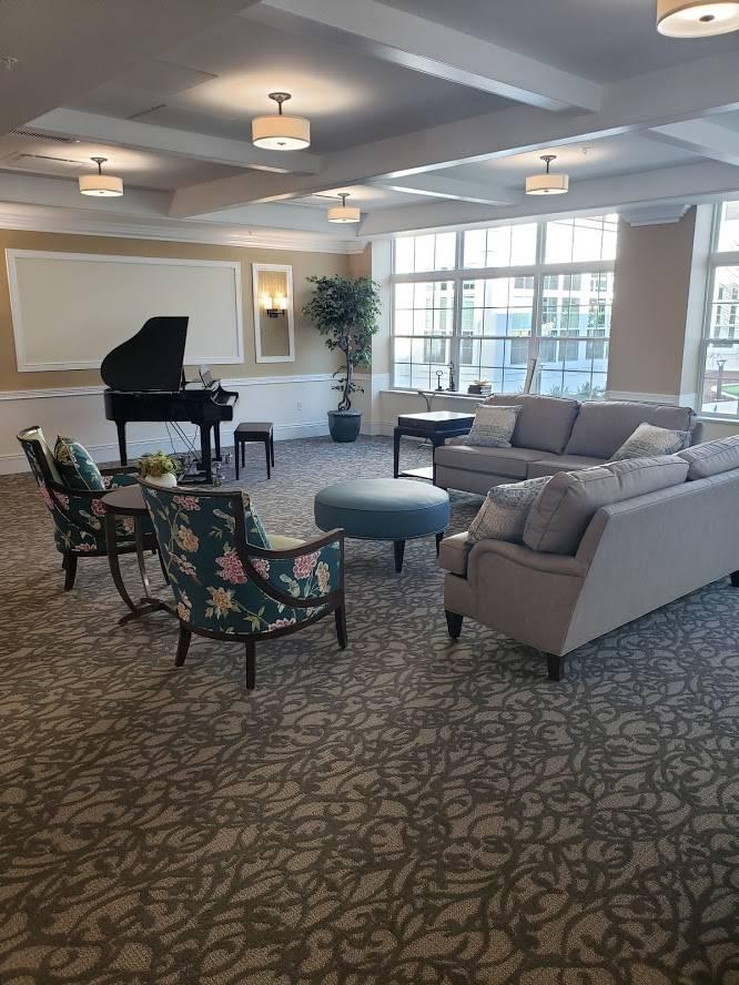 Silverado North Shore Memory Care Community - health  | Photo 6 of 7 | Address: 7800 N Green Bay Rd, Glendale, WI 53217, USA | Phone: (414) 269-6598
