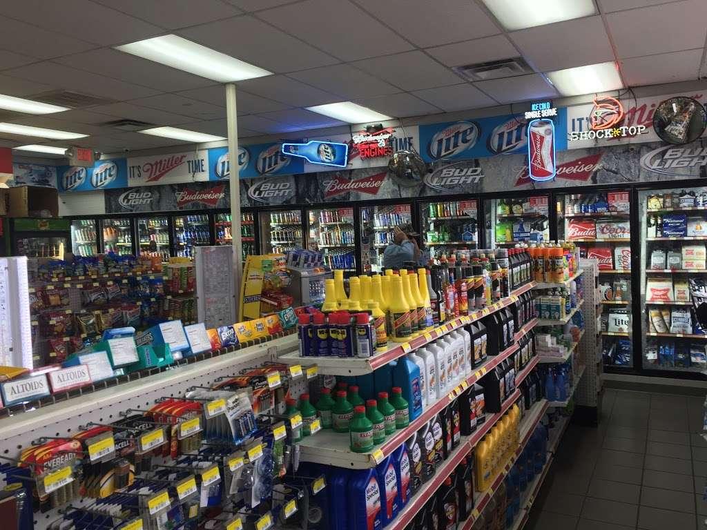 Raceway - convenience store  | Photo 3 of 10 | Address: 3815 Brookshire Blvd, Charlotte, NC 28216, USA | Phone: (704) 391-0071