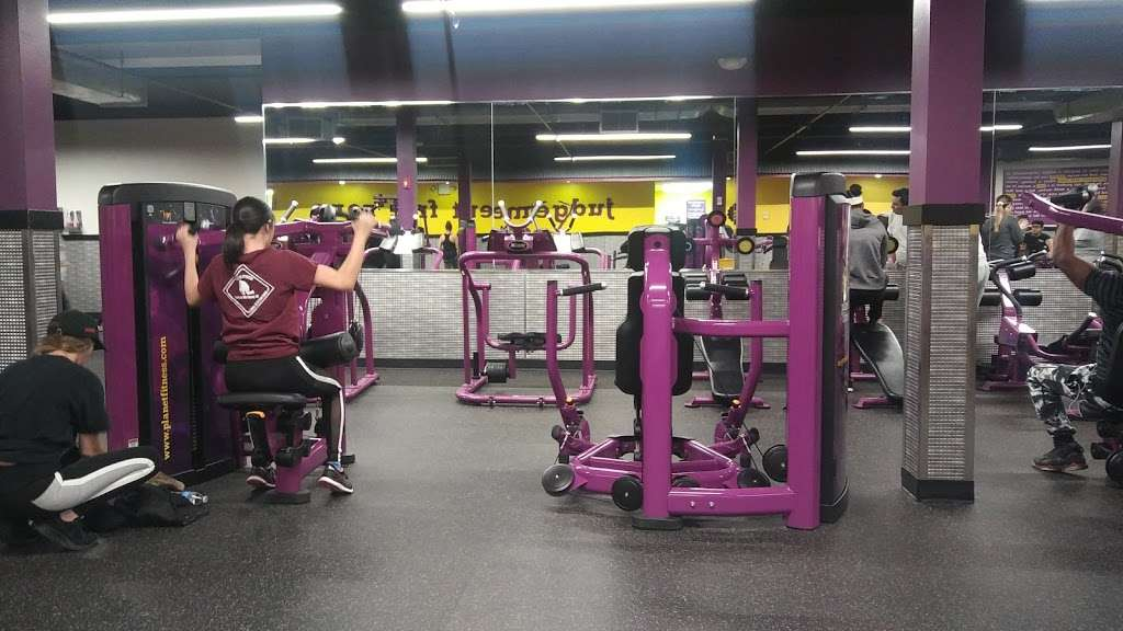 Planet Fitness - Gym | 3025 Hempstead Turnpike, Levittown