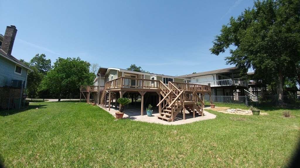 Rio Villa Nature Trail - park  | Photo 1 of 10 | Address: Wallisville Rd & Rio Villa Dr, Houston, TX 77049, USA | Phone: (713) 274-7275
