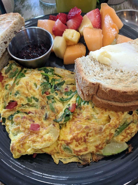 Breakfast Table - restaurant  | Photo 7 of 10 | Address: 1315 Tatamy Rd, Easton, PA 18045, USA | Phone: (610) 252-8783